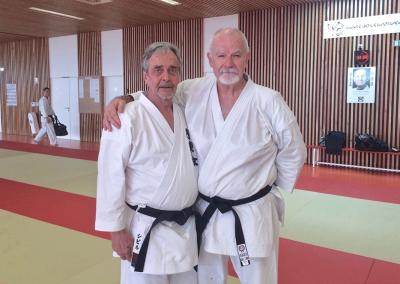 2017-06-24 - stage exceptionnel de karate - hanshi patrick mccarthy sensei 9°dan koryu uchinadi kenpo jutsu - geispolsheim (67) - pierre et patrick mccarthy en karate gi